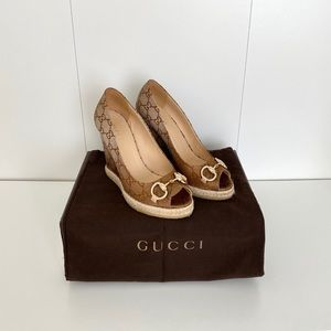 Gucci Charlotte Horsebit Peep Toe Wedge Pumps